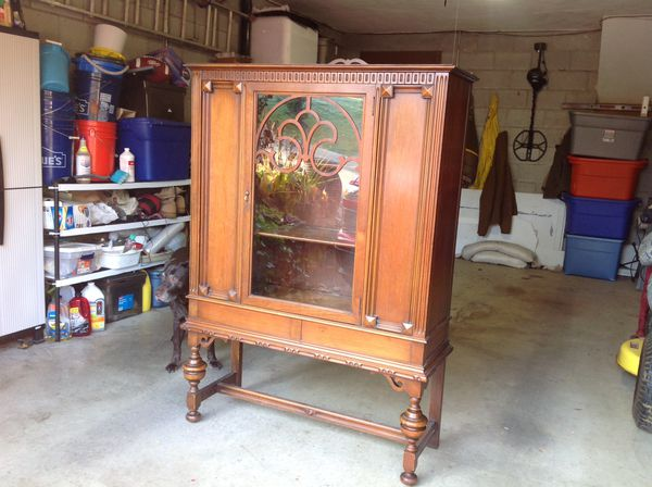 Antique china cabinet/ hutch