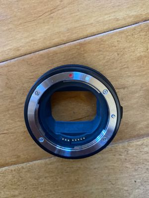 Canon EF to RF control ring mount adapter for Sale in Santa Clarita, CA