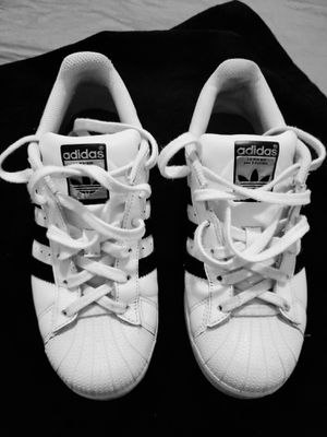 Adidas size 4 for Sale in Miami, FL