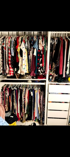 400 pieces! Huge Sale! Women's Size XS/S/M/L. All Clothes $1 a piece. Men's size 33/36 pants, shirts, boys 10-12. New Condition for Sale in San Diego, CA
