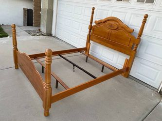 Hard Wood Queen Size Bed Frame for Sale in Fontana,  CA