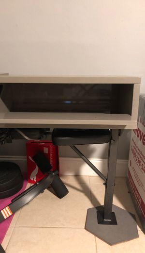Gray shelves storage box with wall mount for Sale in Miami, FL
