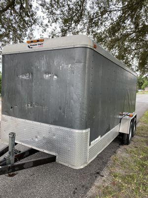 7 x 18 enclosed cargo trailer for Sale in Lutz, FL