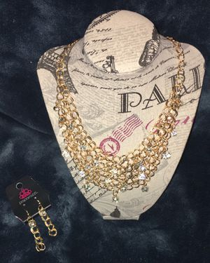 Dripping in diamonds gold necklace and earrings set for Sale in Compton, CA