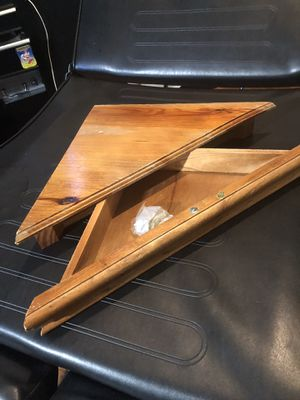 Wood corner shelf for Sale in Fort Myers, FL
