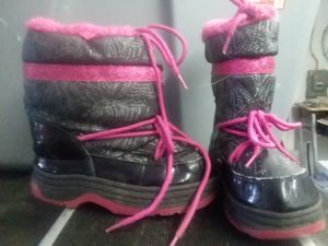 Size 12m winter boots for Sale in St Louis, MO