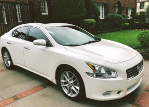 Splendit and Impeccable 2010 Nissan Maxima SV for Sale in Columbus, OH
