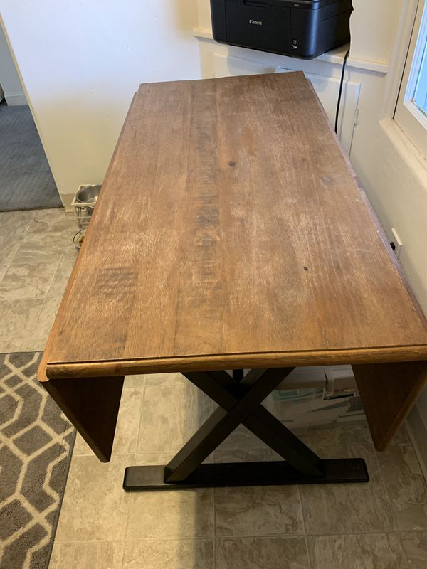 Small dining room/kitchen table