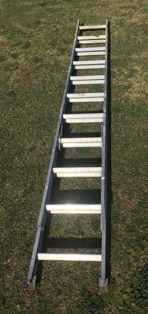 22ft aluminum extension ladder for Sale in Garden Grove, CA