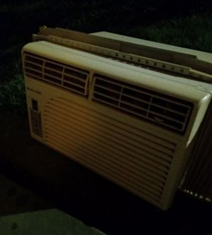 Cool Living 8,000 BTU A/C ASKING $80 OBO OR TRADE for Sale in San Antonio, TX