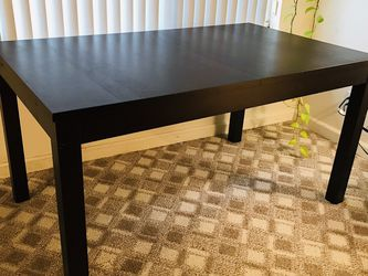 Quality Dining Room Table With Two Leaves for Sale in Seattle,  WA