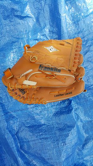 Baseball Glove for Sale in Worcester, MA