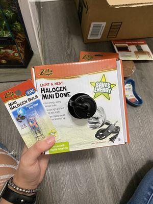 Zilla Halogen Mini Dome + 25 Watt Day Bulb for Sale in Seattle, WA
