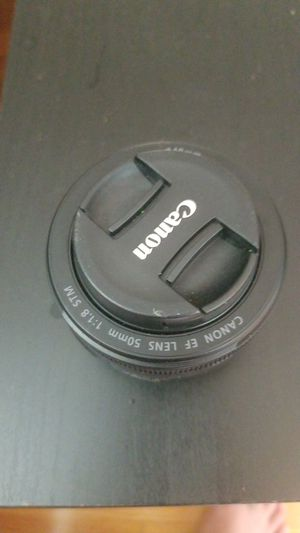 Canon 50mm 1.8f for Sale in Lincolnwood, IL