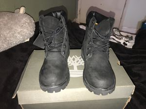 Brand new Black Timberlands size Juniors 5 comes with the box never used for Sale in North Las Vegas, NV