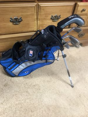 US junior Golf Set (clubs and bag) for Sale in Darnestown, MD