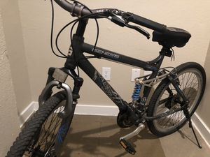 Genesis Mountain bike for Sale in Dallas, TX