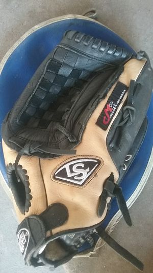 """CLOSEOUT Louisville Slugger M2 Fastpitch Softball Glove 12"""" FGM214-BN120 - Left Hand for Sale in Lynwood, CA"""