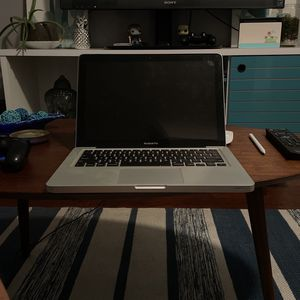 2012 MacBook Pro 15 Inch for Sale in Los Angeles, CA