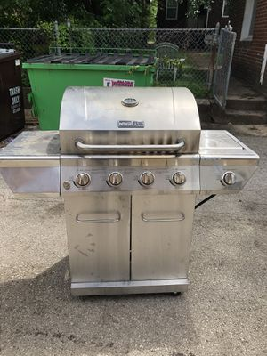Bbq grill 5 burner for Sale in St. Louis, MO