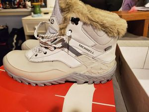 Merrill womens snow boots size 10.5 for Sale in Seattle, WA