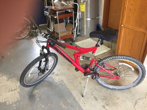 Schwinn ditch 2.0 mountain bike for Sale in Aurora, OR