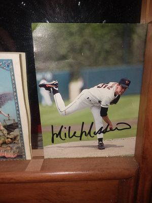 Mike mussina autographed picture for Sale in Millersville, MD