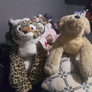 Two Brand-new Large Stuffed Dogs $5 Each for Sale in Trenton, NJ