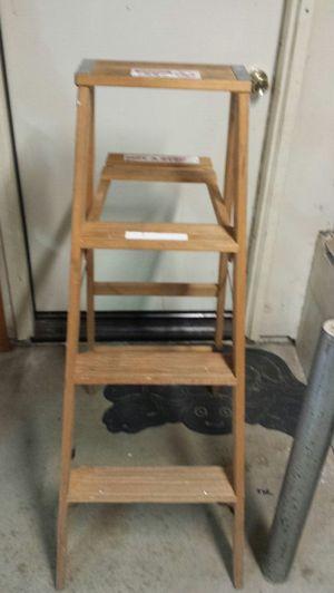 Werner 4FT. Wooden Ladder for Sale in Hesperia, CA