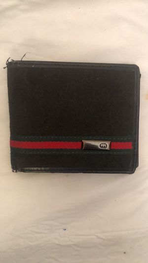 Men's Gucci Wallet for Sale in North Andover, MA