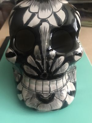 Skull statue for Sale in Lakewood, WA