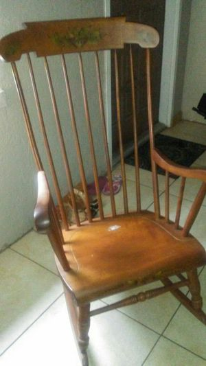 OLD🌸 ROCKING🌸 CHAIR🌸 NICE🌸 DECORATIVE🌸🌸 $100.00🌸🌸 for Sale in Rockledge, FL
