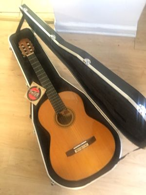 Yamaha cg 150s classical guitar for Sale in Pittsburgh, PA