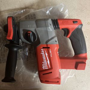 """Milwaukee M18 Fuel 1"""" Sds Rotary Hammer Drill. for Sale in Philadelphia, PA"""