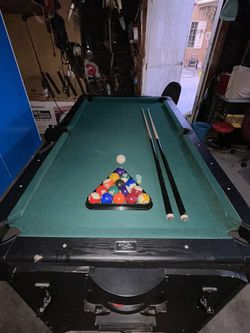 Pool & Air Hockey Table for Sale in Bell Gardens,  CA
