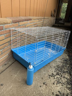 Guinea pig cage (with other accessories) for Sale in Aberdeen, WA