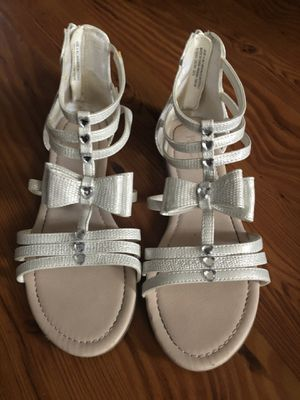 Children's Place white silver shiny sanders for Sale in Mount Laurel Township, NJ