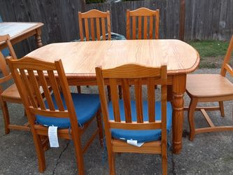 Kitchen Table & 6 Chairs Delivery Is Available for Sale in Everett,  WA