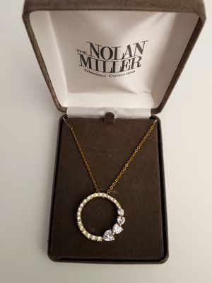 Beautiful Vintage Authentic Nolan Miller Gold Tone Sparkling White Diamond Crystals Circle of Love Pendant & Necklace New In Box for Sale in Lake Stevens, WA