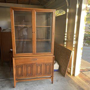 Vintage Mid Century Broyhill Sculptra China Cabinet / Hutch for Sale in Vista, CA