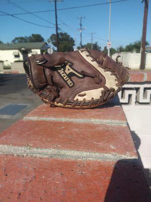 Baseball Catchers Glove - Mizuno for Sale in Wilmington, CA