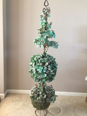 "45"" Tall artificial Topiary Tree in Metal Urn, some fading, needs TLC (1 only) Retails $99.99 at Hobby Lobby for Sale in Plainfield, IL"