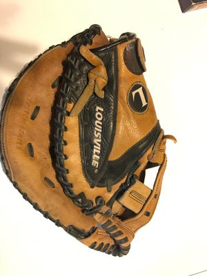 Fast pitch Softball Catchers glove for Sale in Bakersfield, CA