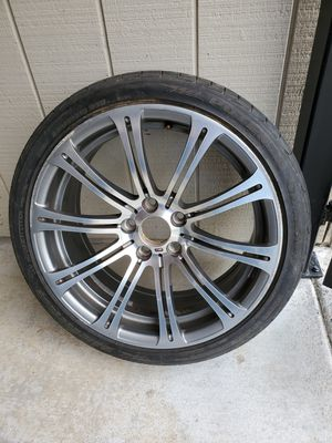 Bmw m3 rim and tire for Sale in Oregon City, OR