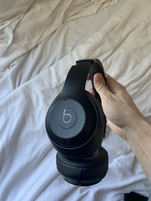 Beats studio 3 wireless matte black headphones and charger only for Sale in Los Angeles, CA