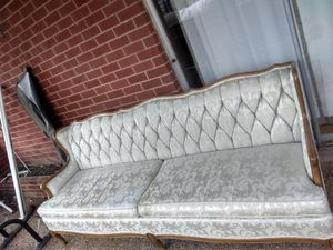 Antique ross furniture company Victorian style sofa for Sale in Nashville, TN