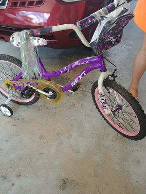 Small girl bike for Sale in Hialeah, FL