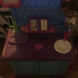 Doc Mcstuffins Medical Table Used Still Like New for Sale in Albuquerque, NM