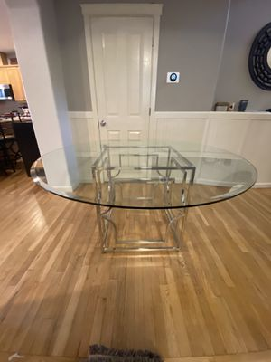 """Zgallerie 60"""" dining table for Sale in Vancouver, WA"""
