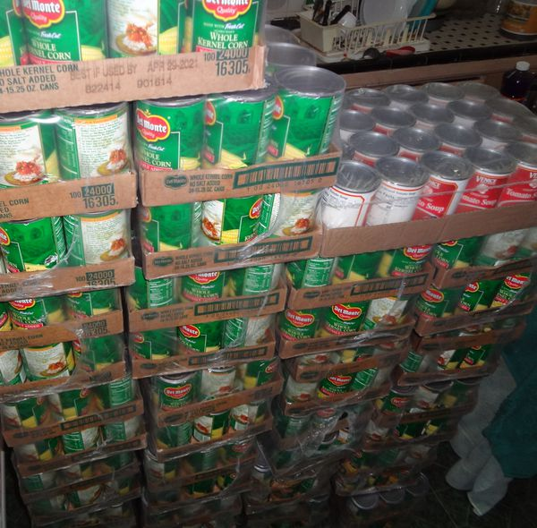 24 CASES OF 24 CANS EACH OF FRESH CUT GOLDEN SWEET WHOLE KERNEL CORN 15.25 OUNCE CANS